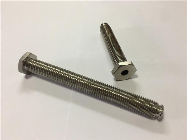 titán kötőelemek szállítók ti6al4v gr5 titán kerékcsavar vagy egyéb hardver értékesítése