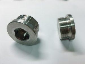 egyedi rozsdamentes acélból készült gyűrűs csavar ss kulcstartóval