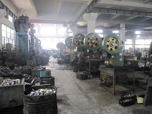 Forró kovácsolt gép